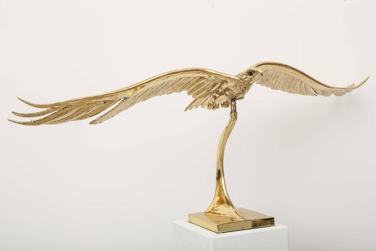 Superb movement for this bronze sculpture by J Duval Brasseur. The elegant curved lines and the shape of the base give a strong feeling of this flying eagle. Very unique piece by this well knowned artist from the south of France ,his work shop was