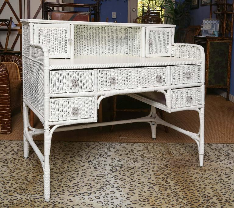 Sweet white wicker writing desk with six drawers and two compartments. Good  condition. - Sweet Vintage Wicker Writing Desk At 1stdibs