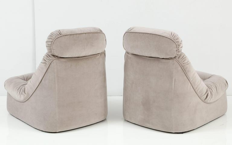 Pair of Mid-Century Modern Lean Back Loungers in Grey Velvet 5