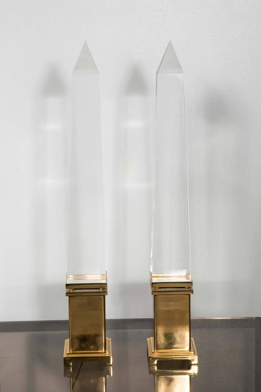 Pair of lamps in Lucite and brass, fine model, circa 1960.