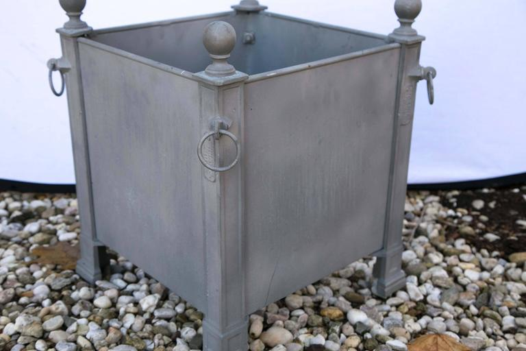 Versaille Gray Planter Boxes In Excellent Condition For Sale In Mt Kisco, NY