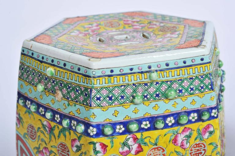 Pair of 19th Century Chinese Famille Rose Garden Seats In Good Condition For Sale In Brighton, Sussex