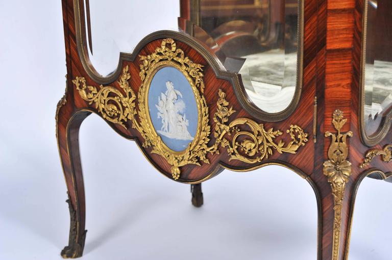 Louis XV Signed Linke Vitrine, 19th Century For Sale