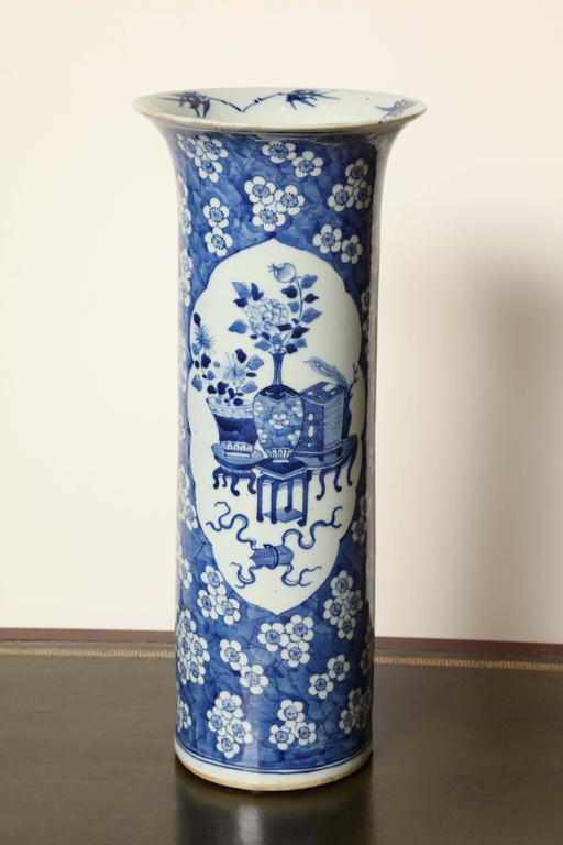 19th Century Japanese Blue and White Cylinder Vase For Sale 3