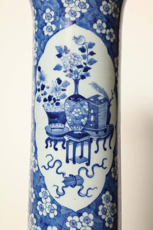 19th Century Japanese Blue and White Cylinder Vase For Sale 4