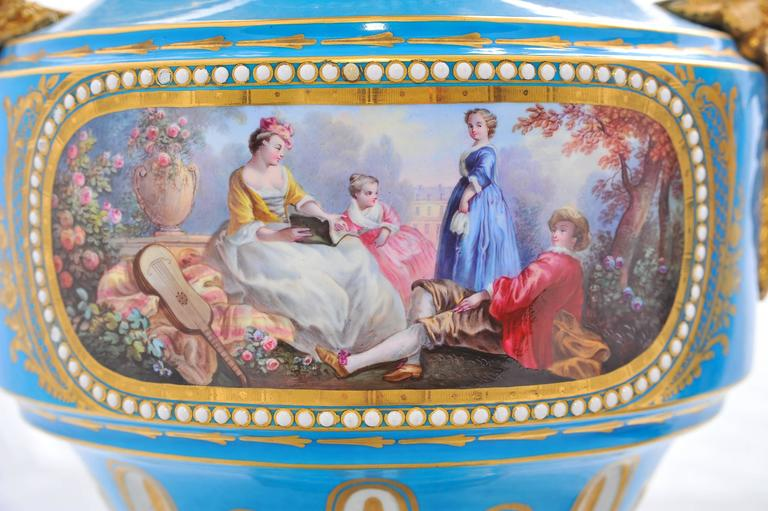 Pair of 19th Century 'Sevres' Classical Vases In Excellent Condition For Sale In Brighton, Sussex