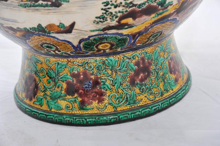 Porcelain Large Pair of 19th Century Kutani Vases For Sale