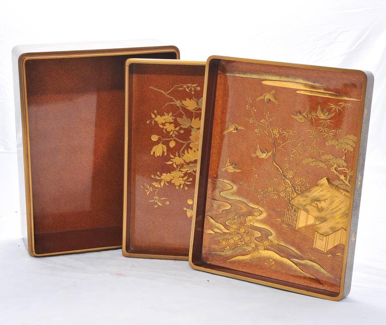 Gilt Fine Quality Japanese Lacquer Box For Sale