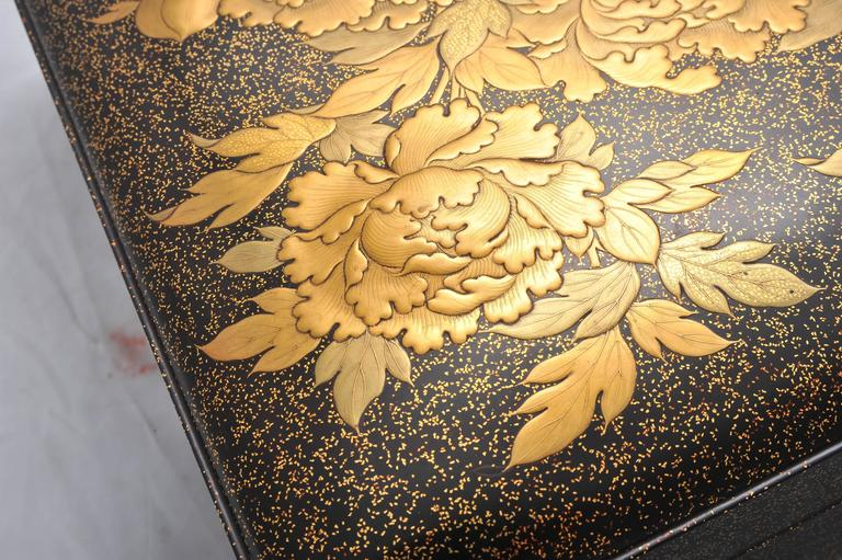 Fine Quality Japanese Lacquer Box For Sale 4