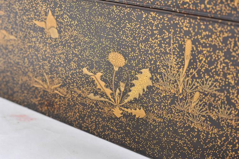 Fine Quality Japanese Lacquer Box For Sale 5