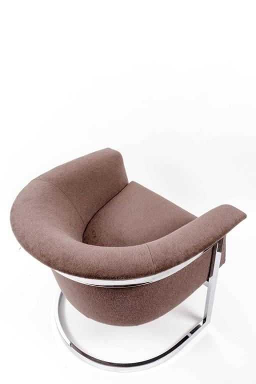 Pair of Chromed Steel Lounge Chairs in the Style of Milo Baughman For Sale 5