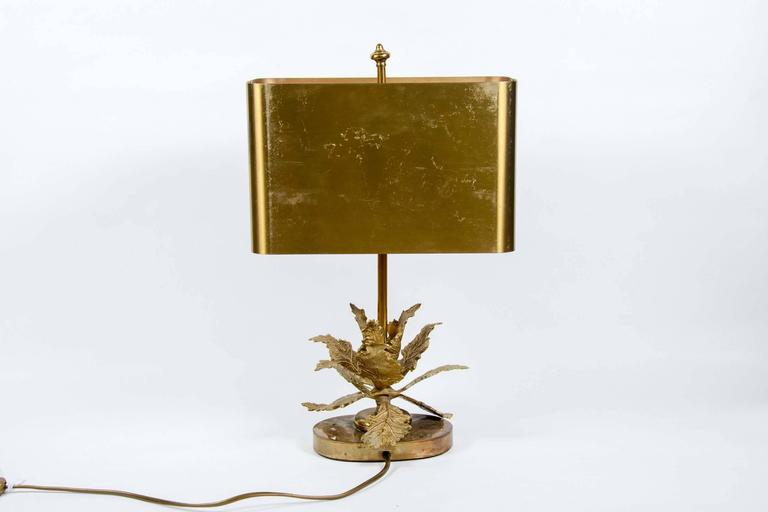 Elegant Small Bronze Table Lamp In Fair Condition For Sale In Saint-Ouen, IDF