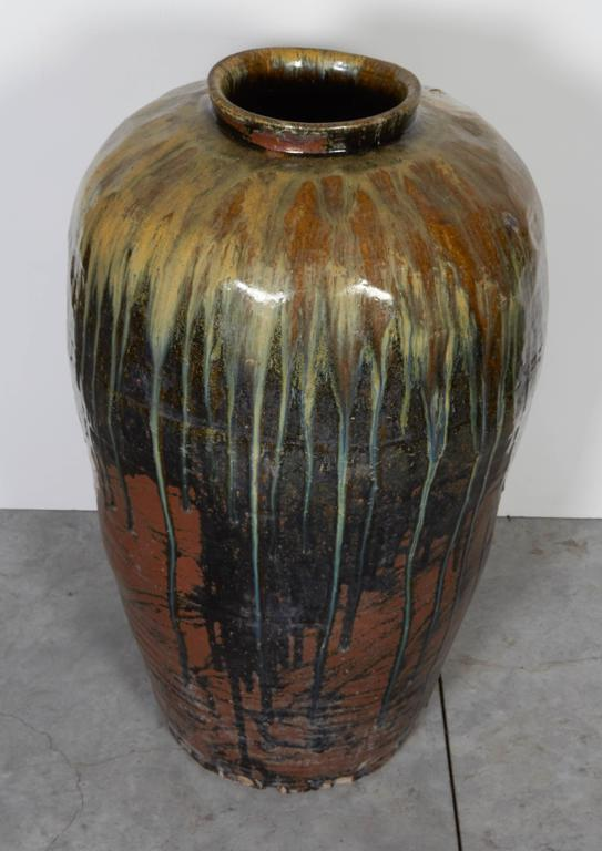 Tall Antique Ceramic Wine Jar In Good Condition For Sale In New York, NY