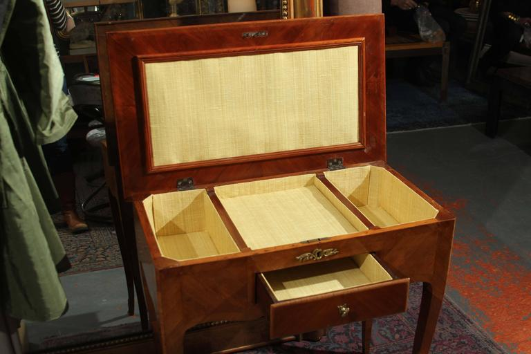19th Century French Vanity or Jewelry Chest For Sale 3