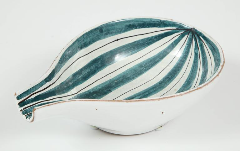Hand-Crafted Raymor Ceramic Bowls, Pair For Sale