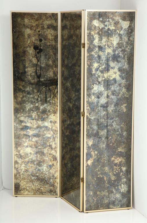 American Fabulous 1940s Three-Panel Antiqued Mirror Folding Screen after Frances Elkins For Sale
