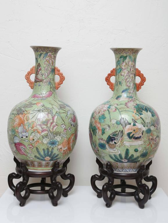 Pair Of Vintage Chinese Vases On Stands At 1stdibs