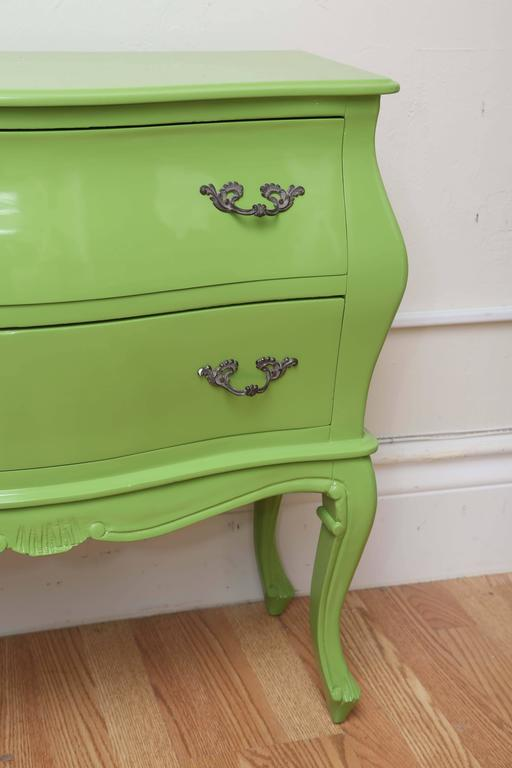 Italian Two-Drawer Bombay Commode In Good Condition For Sale In West Palm Beach, FL