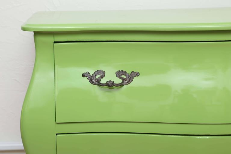 20th Century Italian Two-Drawer Bombay Commode For Sale