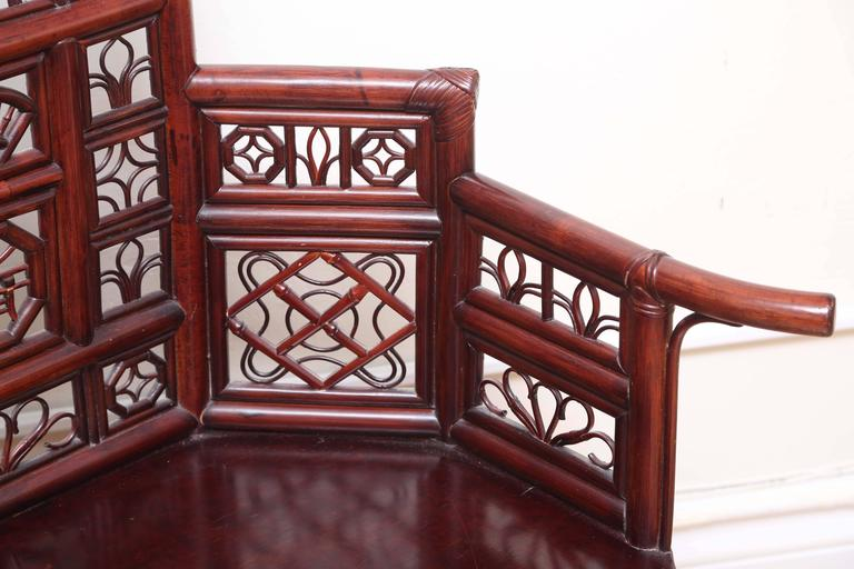 Vintage Rattan Pagoda Style Settee In Good Condition For Sale In West Palm Beach, FL