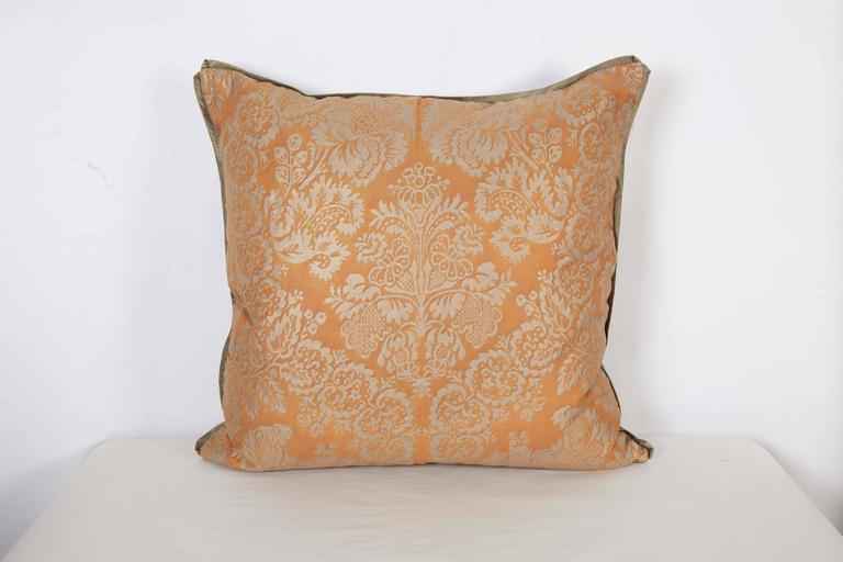 A Pair of Fortuny Fabric Cushions in the Solimena Pattern 3