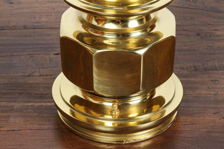 Pair of Polished Gold Brass Table Lamps In Good Condition For Sale In North Hollywood, CA