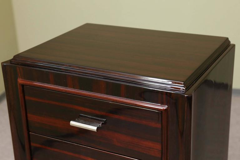 French Art Deco Chest of Drawers from Macassar wood In Excellent Condition For Sale In Houston, TX