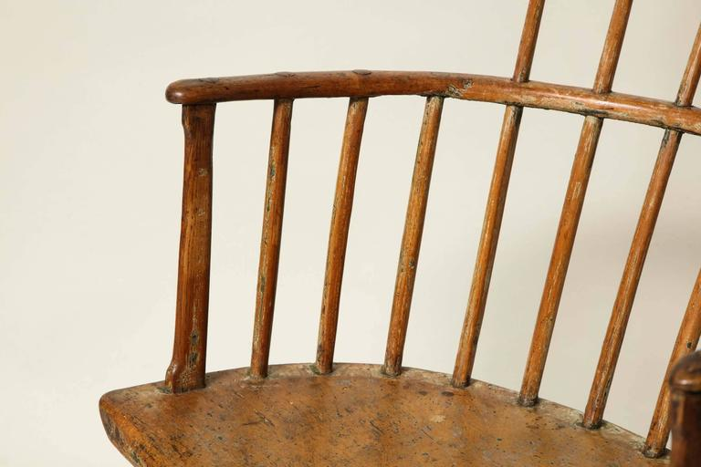 18th Century English Comb Back Windsor Armchair In Good Condition For Sale In New York, NY