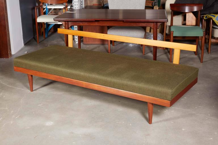 Mid Century Green Sofa / Daybed by Ekornes 3