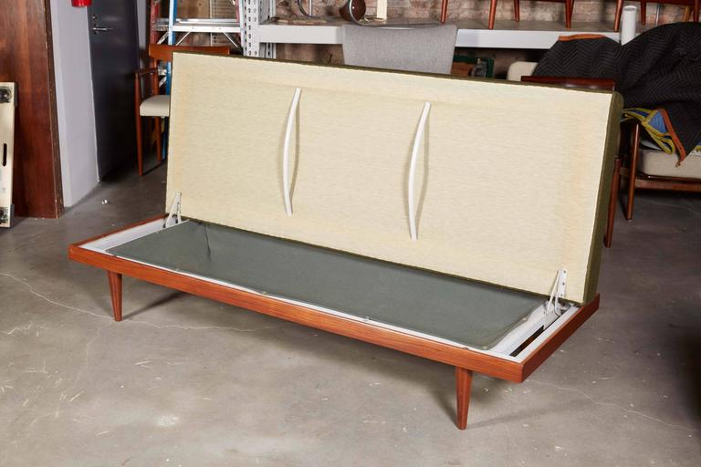 Mid Century Green Sofa / Daybed by Ekornes 2