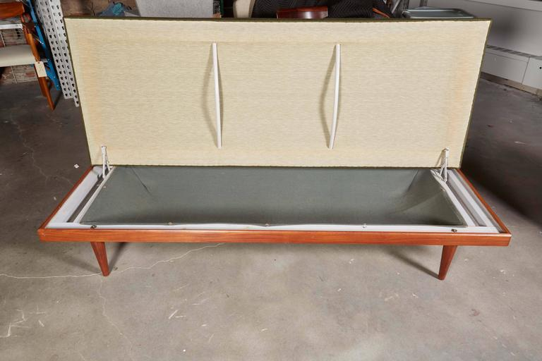 Mid Century Green Sofa / Daybed by Ekornes 5