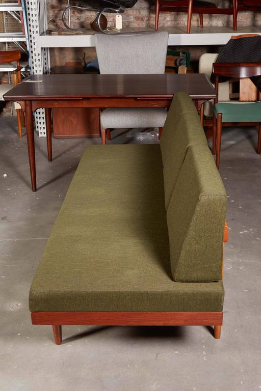 Mid Century Green Sofa / Daybed by Ekornes 8