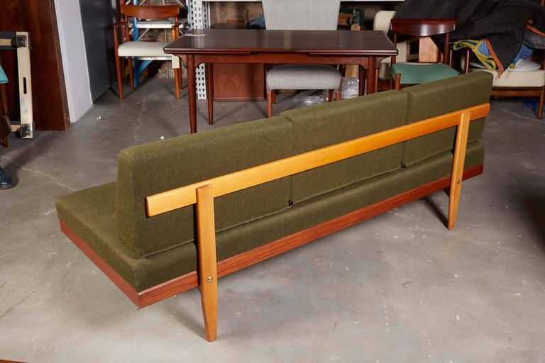 Mid Century Green Sofa / Daybed by Ekornes 9