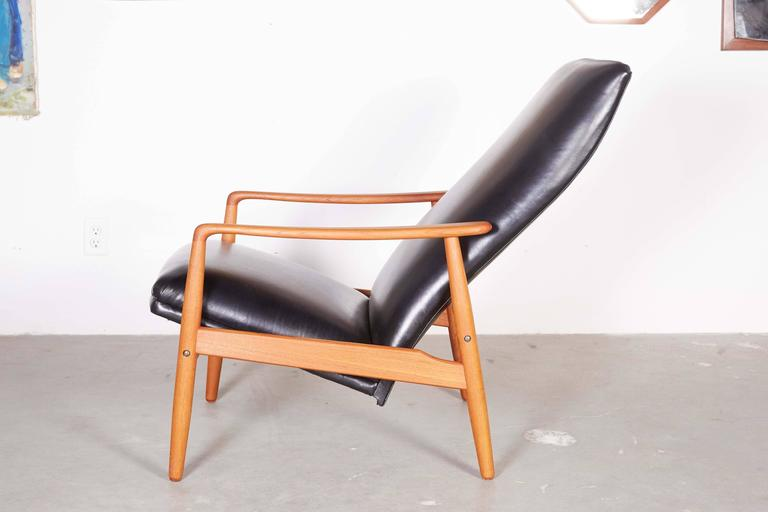 Mid Century Recliner Chair by Soren Ladefoged 4