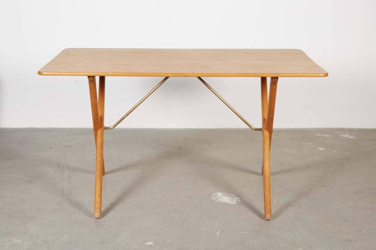 Mid Century Coffee Table by Hans Wegner,  AT308 with Crossed Legs 2