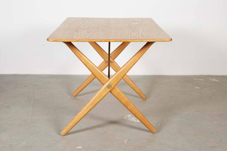 Mid Century Coffee Table by Hans Wegner,  AT308 with Crossed Legs 3