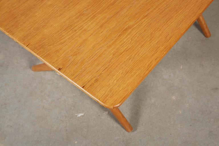 Mid Century Coffee Table by Hans Wegner,  AT308 with Crossed Legs 6