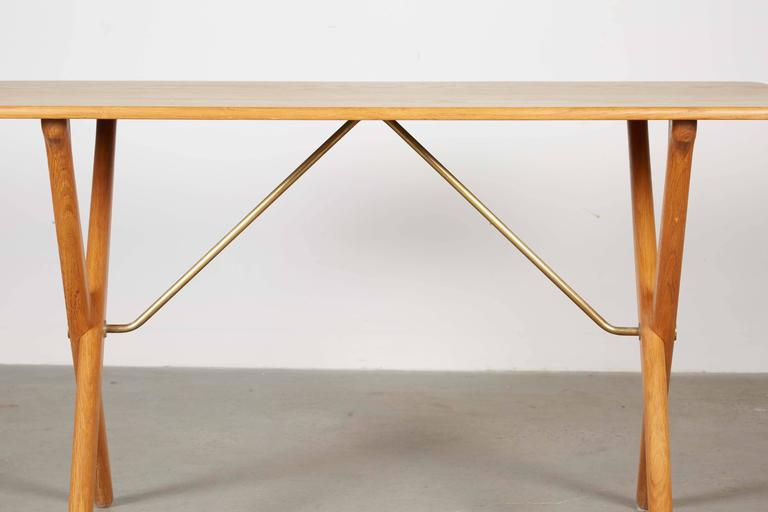 Mid Century Coffee Table by Hans Wegner,  AT308 with Crossed Legs 7