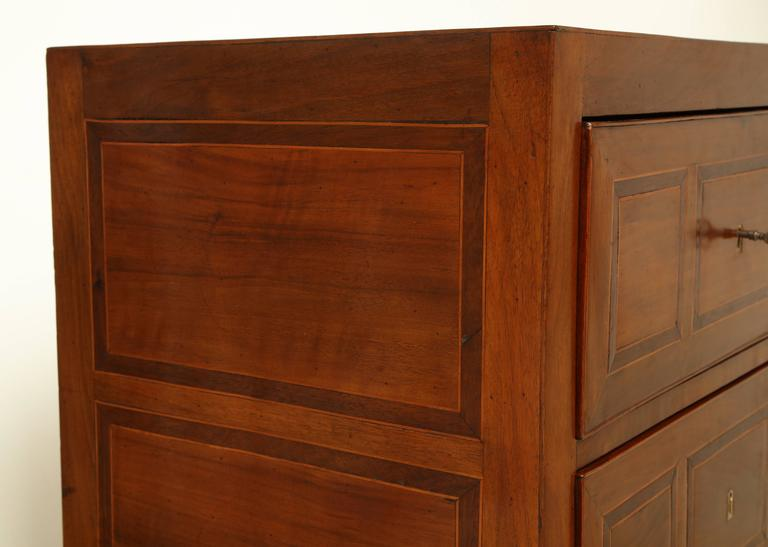 Early 19th Century Italian Two-Drawer Walnut Inlaid Commode 9