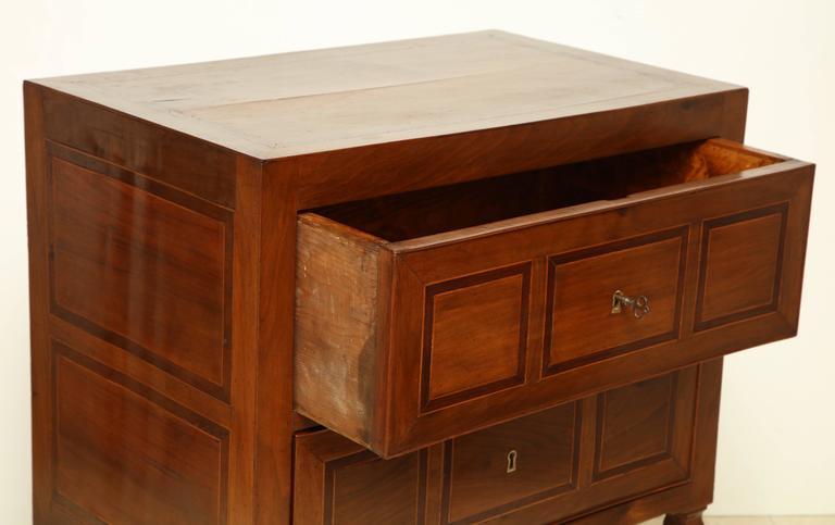Early 19th Century Italian Two-Drawer Walnut Inlaid Commode 10