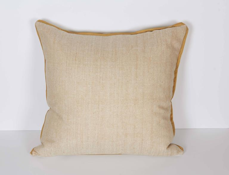 A Fortuny Fabric Cushion in the Jupon Pattern In Excellent Condition For Sale In New York, NY