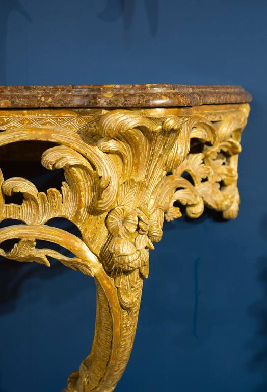 English Late 18th Century Giltwood Console Table with Marble Top For Sale