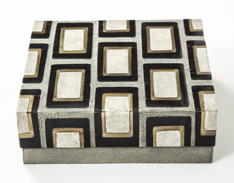 Decorative box made of shagreen with bronze and palm wood details.