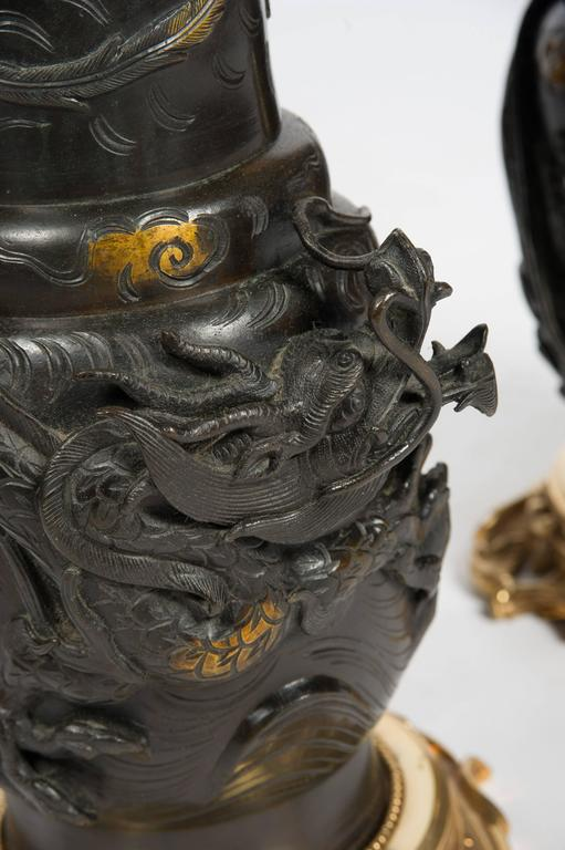 Large Pair of Japanese 19th Century Bronze Vases / Lamps For Sale 3