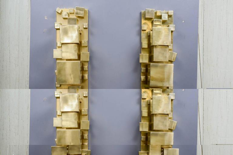 Pair of brass sconces decorated with cubes of different sizes, collection Studio Glustin, limited edition.