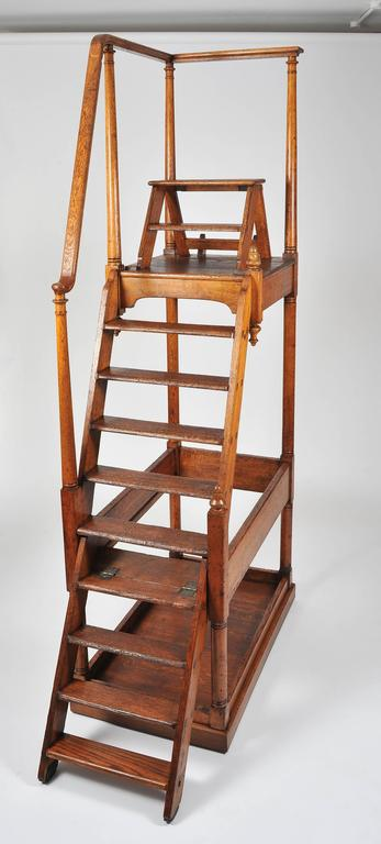 English Superb 19th Century Large Oak Library Steps For Sale