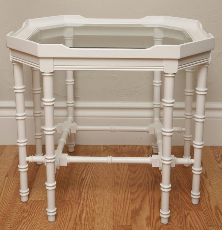 Pair of White Lacquer Faux Bamboo Side Tables In Good Condition For Sale In West Palm Beach, FL