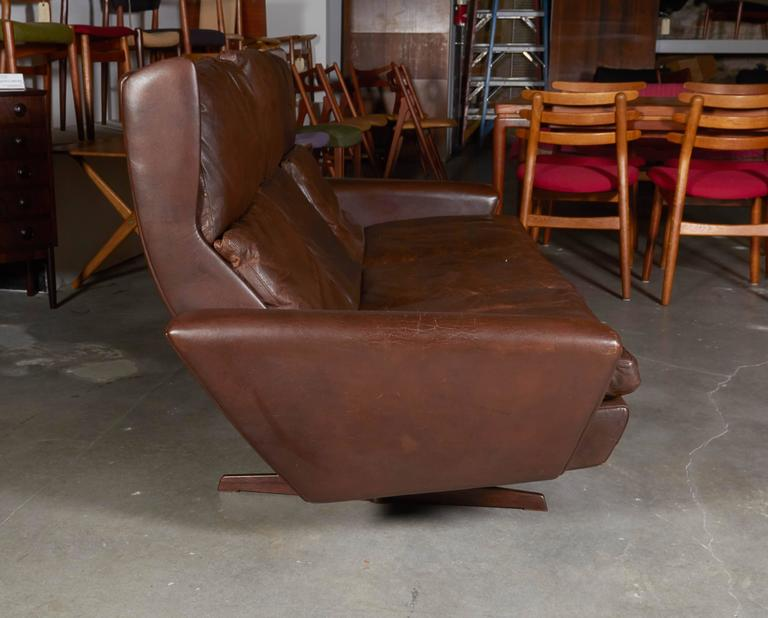 Atomic Brown Leather Sofa by Fredrik Kayser 5
