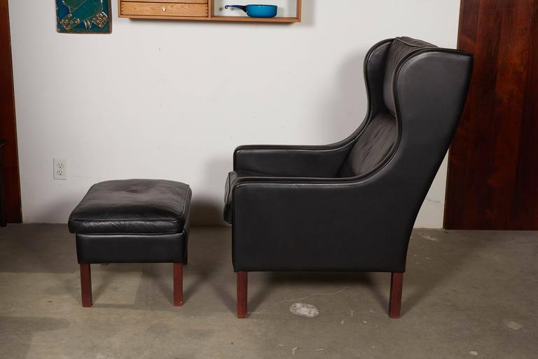 Mid Century Leather Wingback Chairs with Ottoman 6