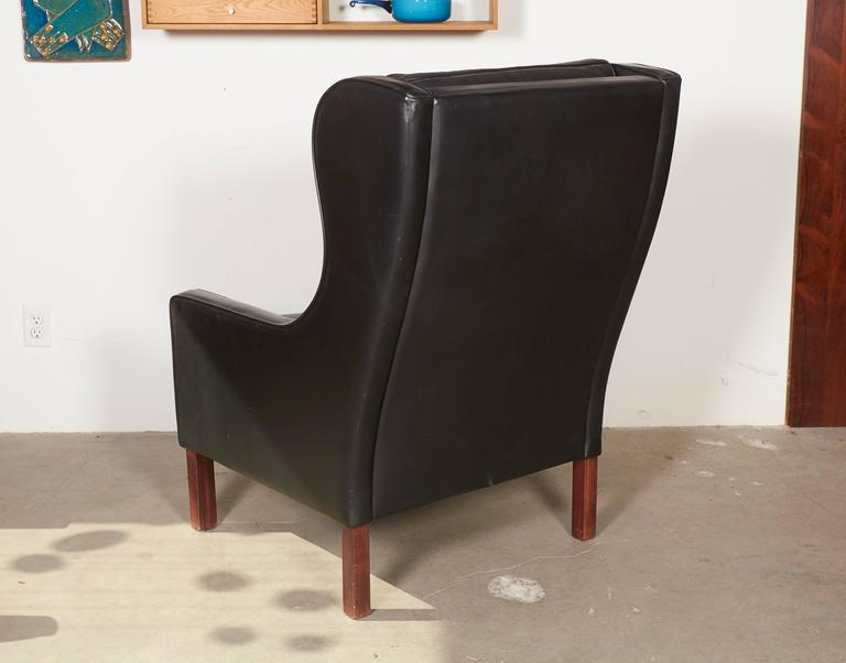 Mid Century Leather Wingback Chairs with Ottoman 7
